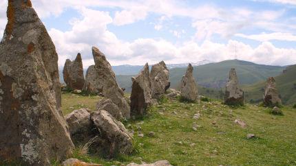 Karahunj, Armenia, particolare dell'allineamento di menhir