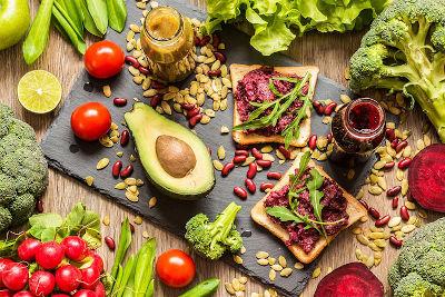 La dieta 100% vegetale è riconosciuta completa di tutti i nutrienti importanti